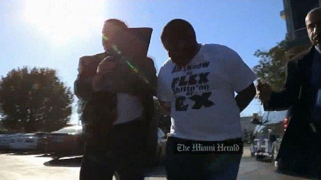 Policías acusados de robo de identidad