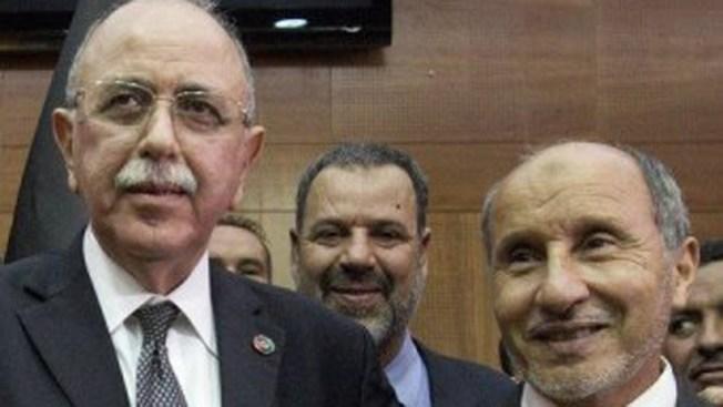 Eligen académico como jefe de gobierno en Libia