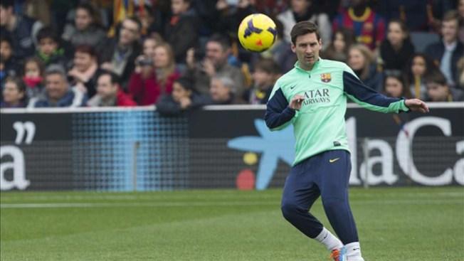 Messi regresa a entrenar tras lesión