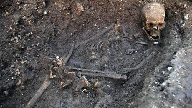 Confirman los restos de rey de Inglaterra