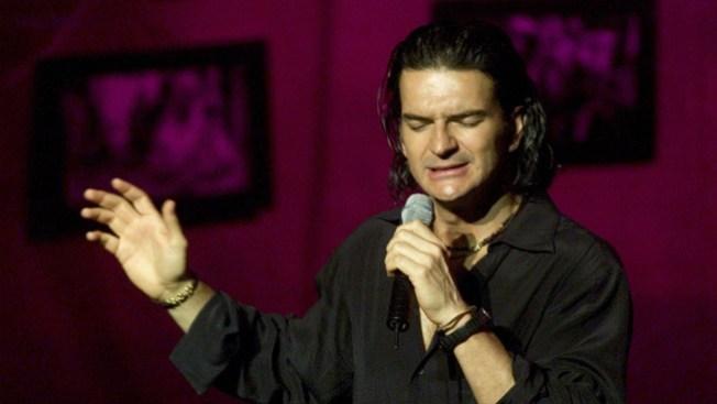 Ricardo Arjona le canta a indocumentados