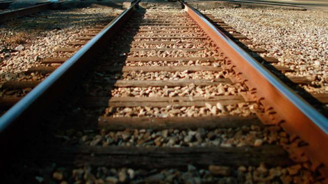 Muere atropellado por tren en Miami