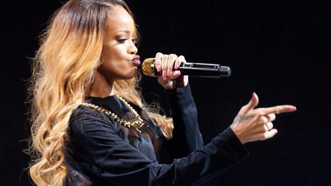 Rihanna se lleva tremendo abucheo