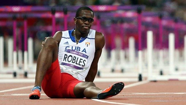 Dayron Robles abandona el equipo cubano