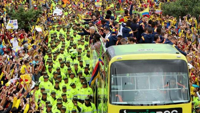 Miles reciben a la selección colombiana