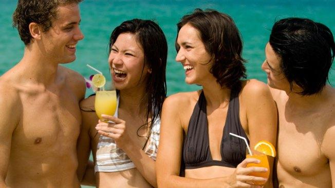 Miamenses podrían beber en la playa