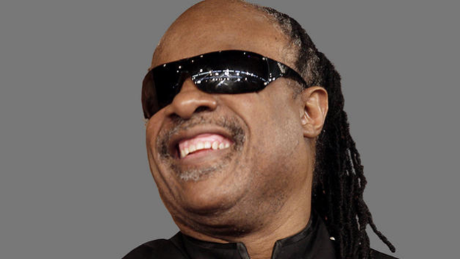 Extorsionan a Stevie Wonder