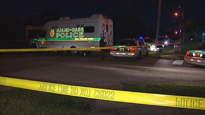 Dos muertos en trágico tiroteo en Miami