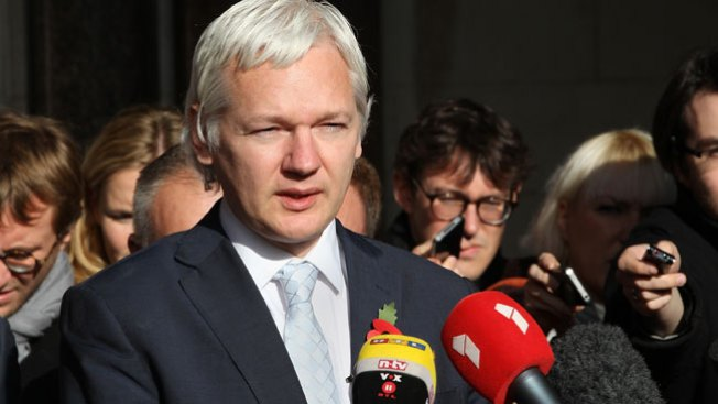 Tribunal Londinense confirma extradición de Julian Assange