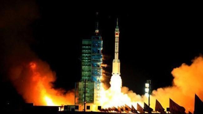 China completa hazaña espacial