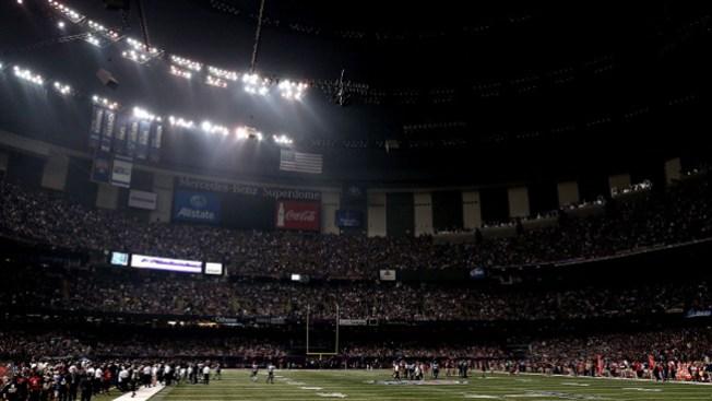 Apagón afecta transmisión del Super Bowl