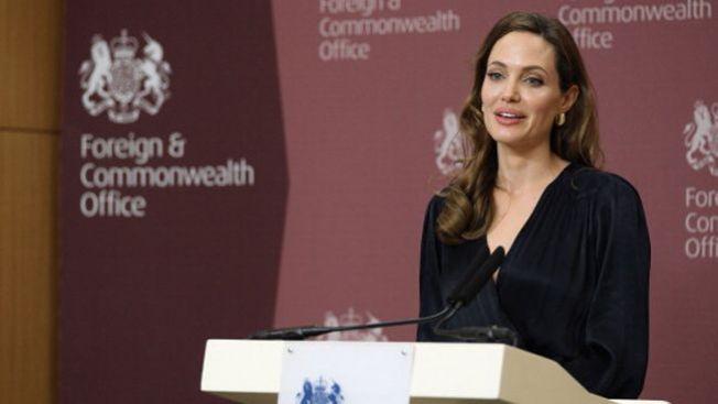 Angelina Jolie se quitará los ovarios
