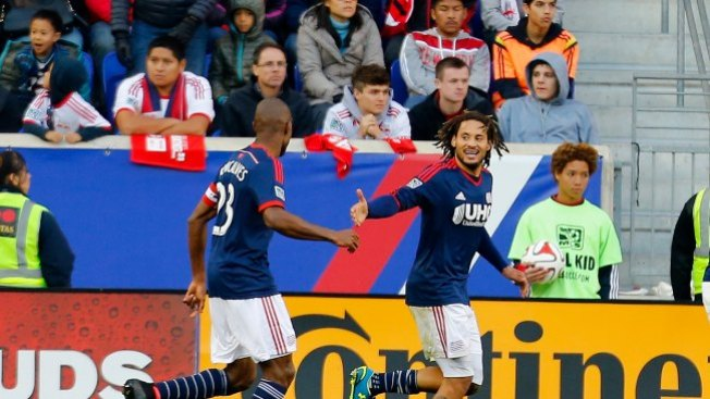 Revolution y Galaxy cerca de final de MLS