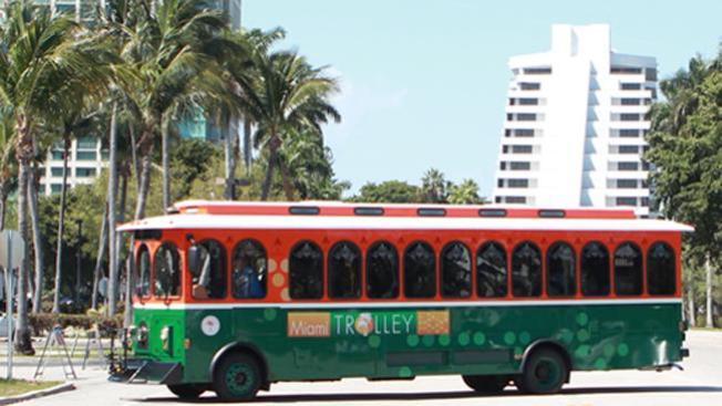 Estrenan trolebús de Miami