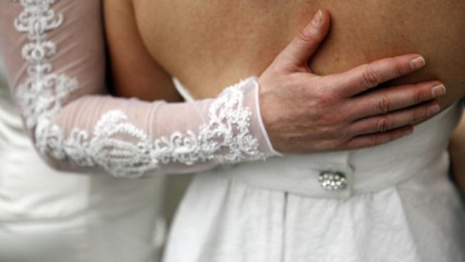 Juez aprueba bodas gay en Monroe