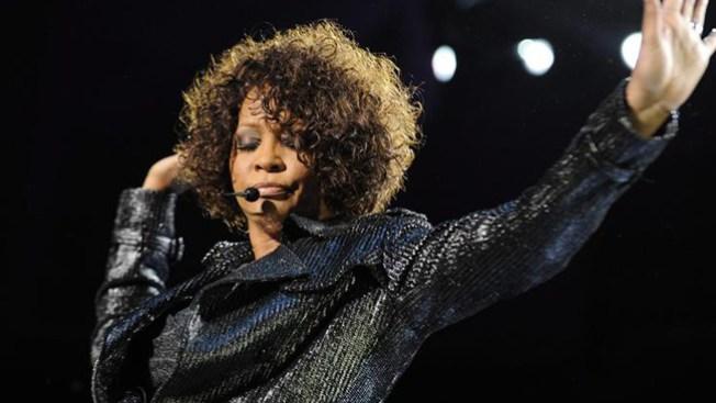 Revelan obsesivas cartas a Whitney Houston