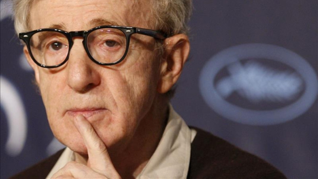 Woody Allen niega abusos a su hija