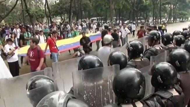Marchas y enfrentamientos en Venezuela