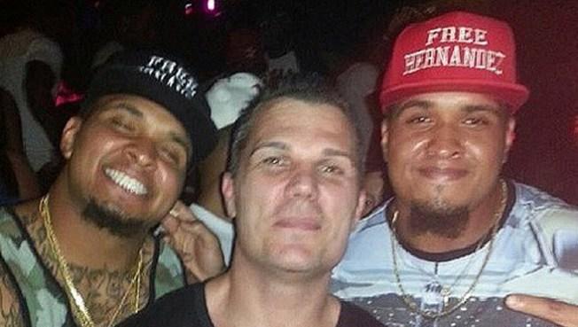Jugadores de la NFL apoyan a Hernández