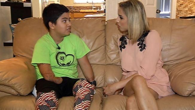 Niño sin extremidades es un ejemplo de vida