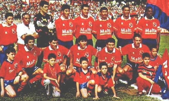 Jugando al fútbol con Pablo Escobar