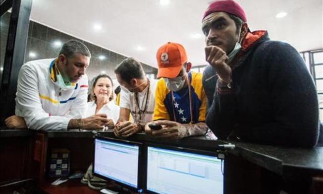 Venezolanos en ayuno piden acción a Rousseff