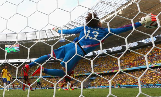 México empata 0-0 ante Brasil