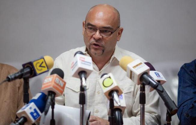 Parlamento venezolano investiga firmas por desvío de divisas