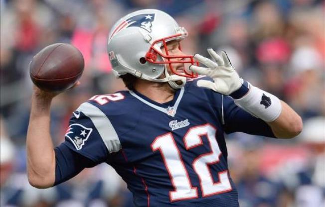 Brady se exhibe ante Cutler y los Bears