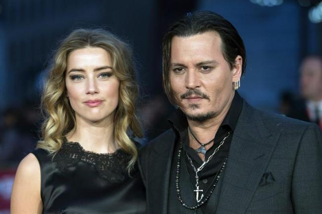 Mujer de Johnny Depp admite cargos en Australia