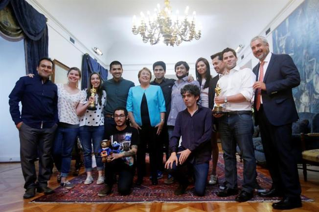 Chile celebra su primer Óscar en Palacio de Gobierno