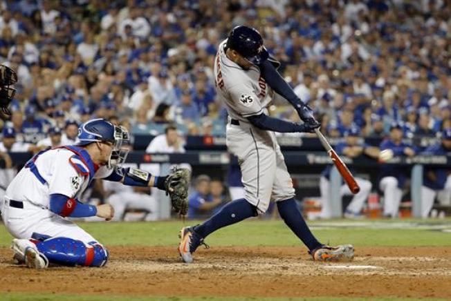 Astros ponen la Serie Mundial a su favor