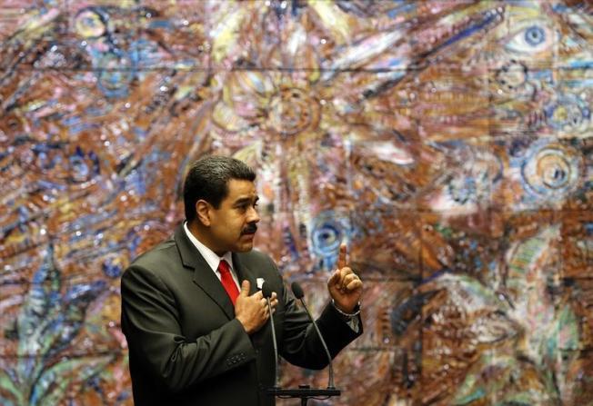 Venezuela recibirá más médicos y medicamentos de Cuba