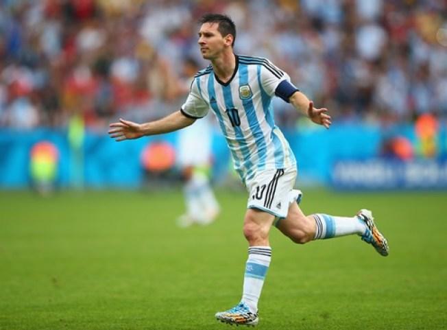Argentina asegura primer lugar de grupo