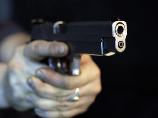 Mujer tenía dos impactos de bala