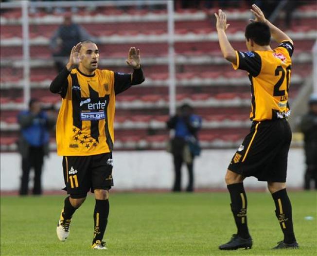 Santos no puede con The Strongest y cae en su debut en la Libertadores