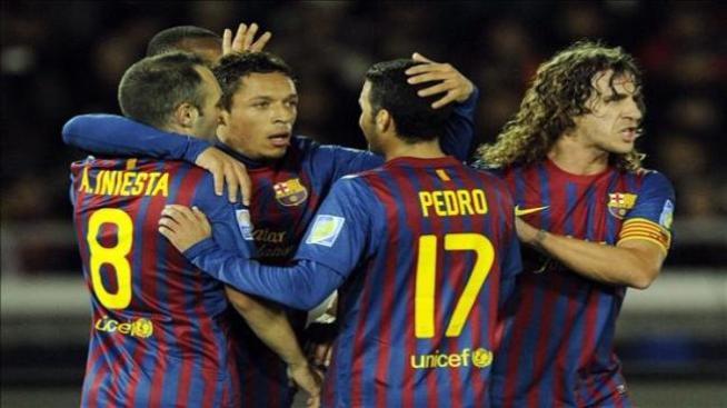 Iniesta y Pedro se entrenan con el grupo