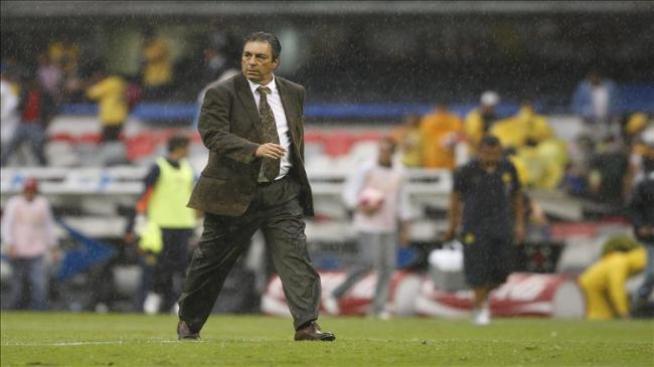 El entrenador del Morelia es denunciado por agredir a un fotógrafo