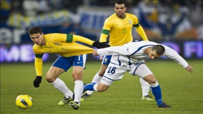 Brasil venció a Bosnia 2 a 1