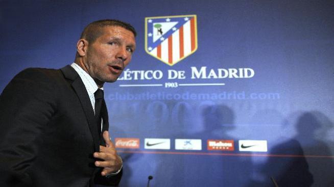 Presentan a Diego Simeone como técnico del Atlético