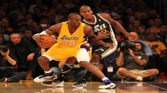 Los Lakers sucumben en Utah