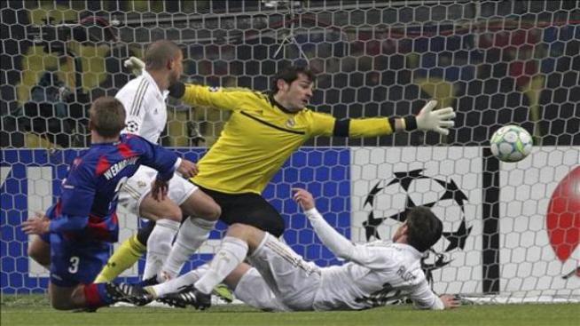 El Real Madrid tira la victoria en Moscú en el último minuto