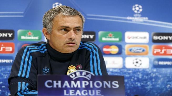Mourinho renueva contrato con el Madrid hasta 2016
