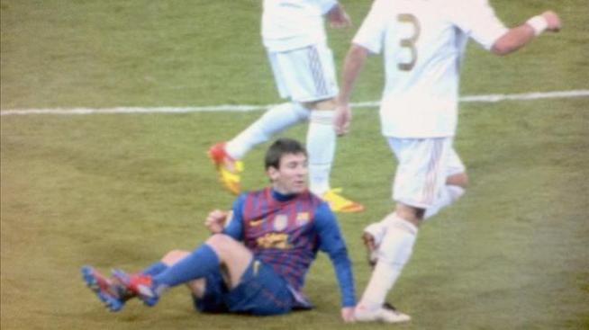 Pepe ofrece disculpas a Messi por pisotón