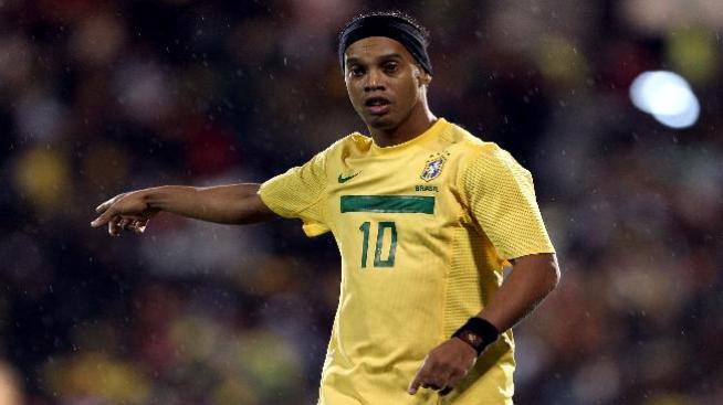 Galaxy busca a Ronaldinho