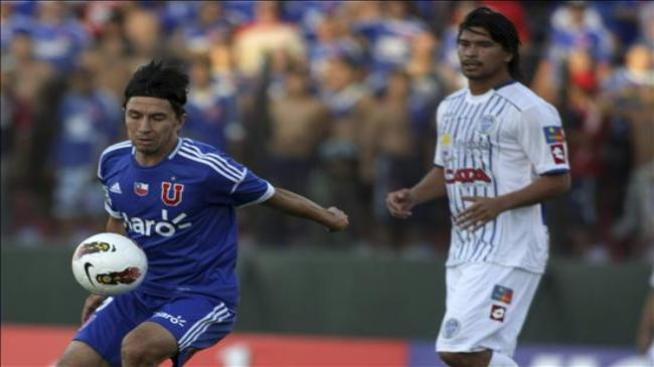 La U de Chile fulmina al Godoy Cruz con tres goles de Junior Fernandes