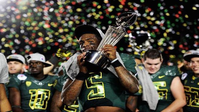 Oregon vence 45-38 a Wisconsin en histórico Rose Bowl