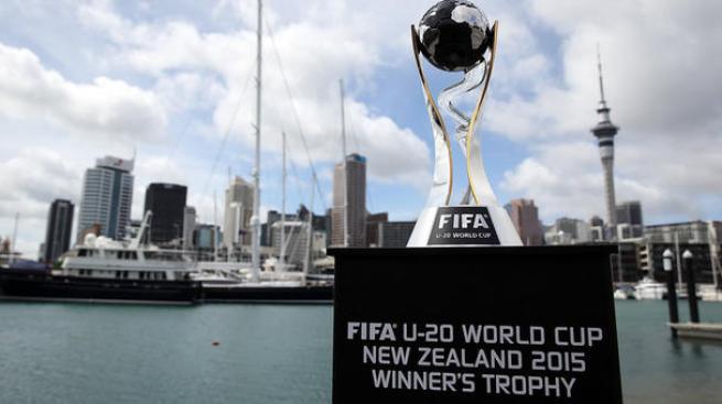 El trofeo de la Copa del Mundo sub-20 de Nueva Zelanda 2015