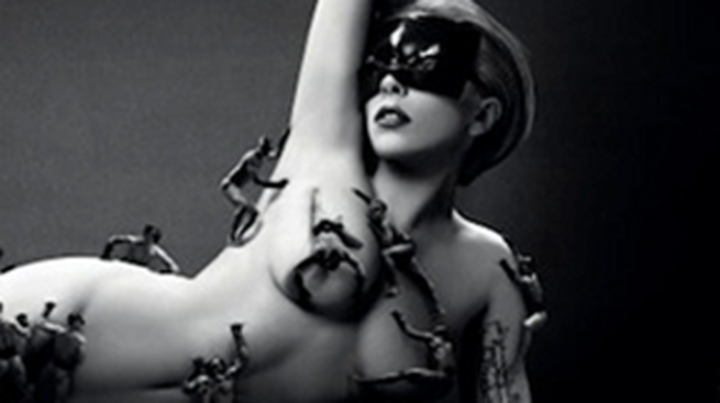 Lady Gaga se invade de hombres