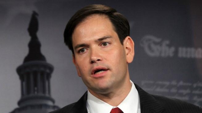 Espaldarazo de senador Rubio a Romney